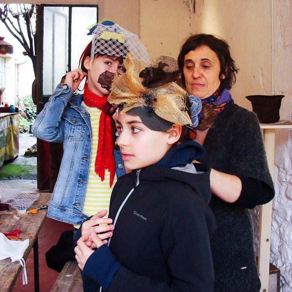Découvrez le métier de modiste et fabriquez votre chapeau avec une pro