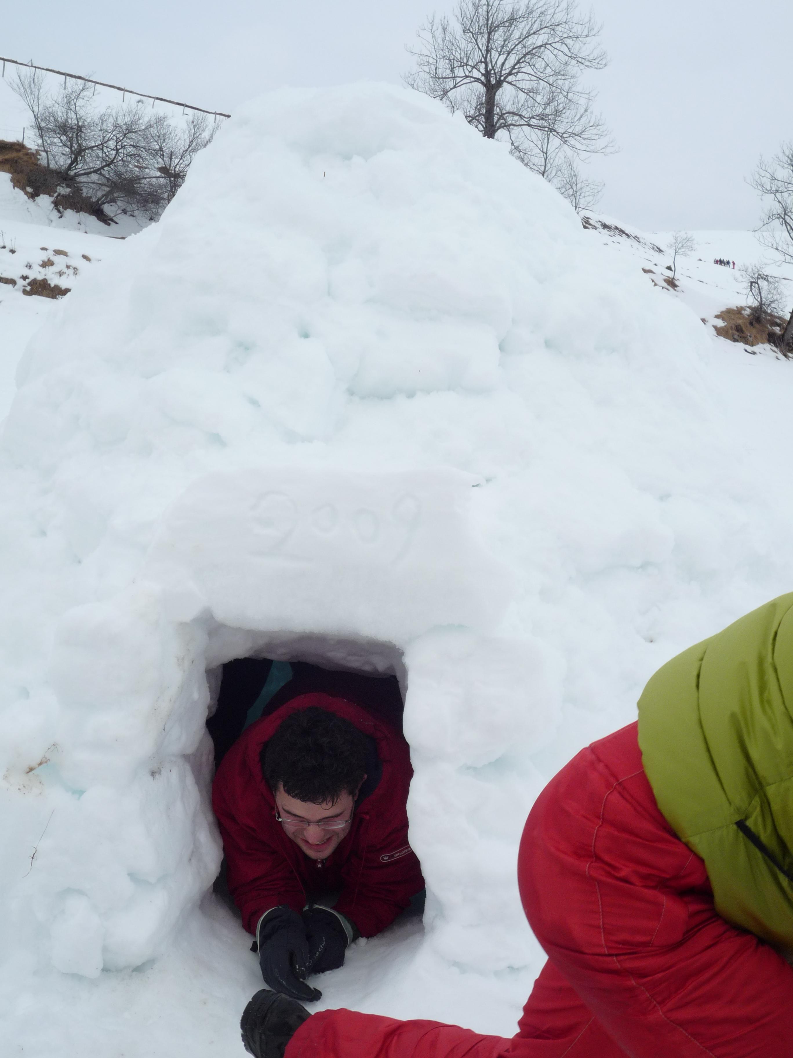 Sortie raquette et igloo en famille dans la vallée du Louron
