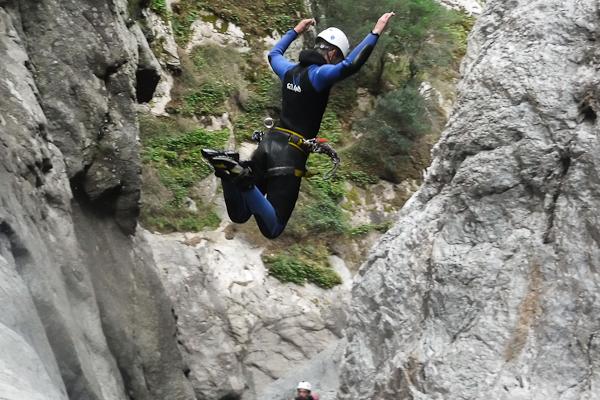Sortie Canyoning sportif à coté d'Argelès-sur-mer
