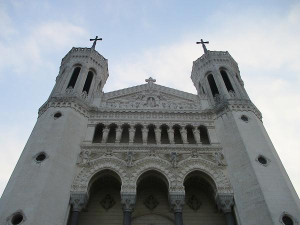 Découvrez la colline de Fourvière : basilique et théâtres romains
