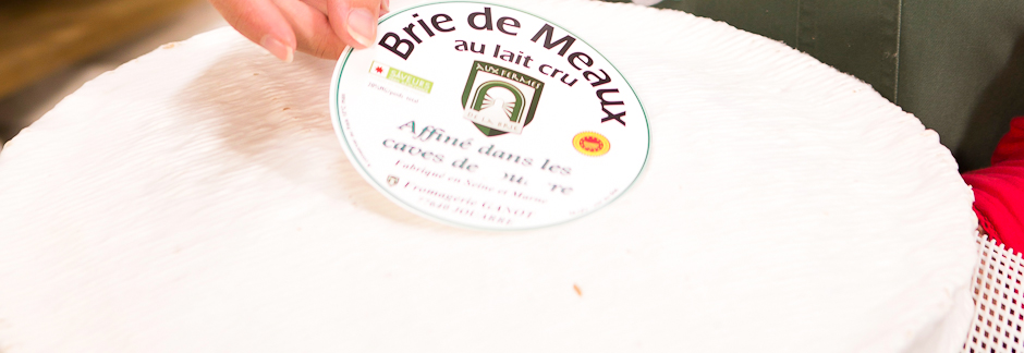 Visite guidée des caves d'affinage de fromages de Brie