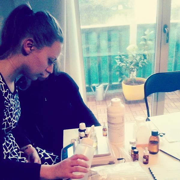 Atelier de Création de Parfums avec une basque passionnée