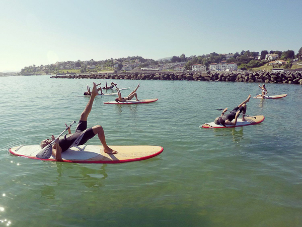 Initiation au Paddle Pilates dans la baie de Saint-Jean de Luz