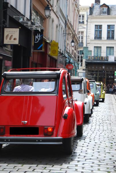 Lille insolite : découvrez la ville à bord d'une 2CV décapotable !