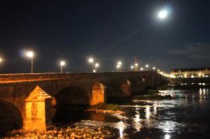 Insolite : visite guidée aux flambeaux de la ville de Blois