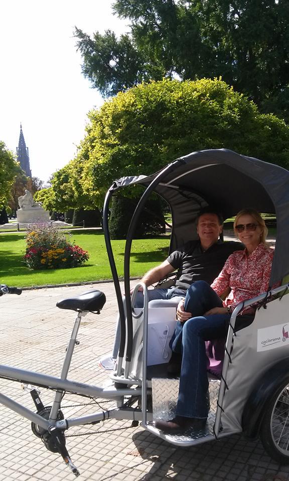 Visite guidée en duo insolite de Strasbourg en cyclopousse !