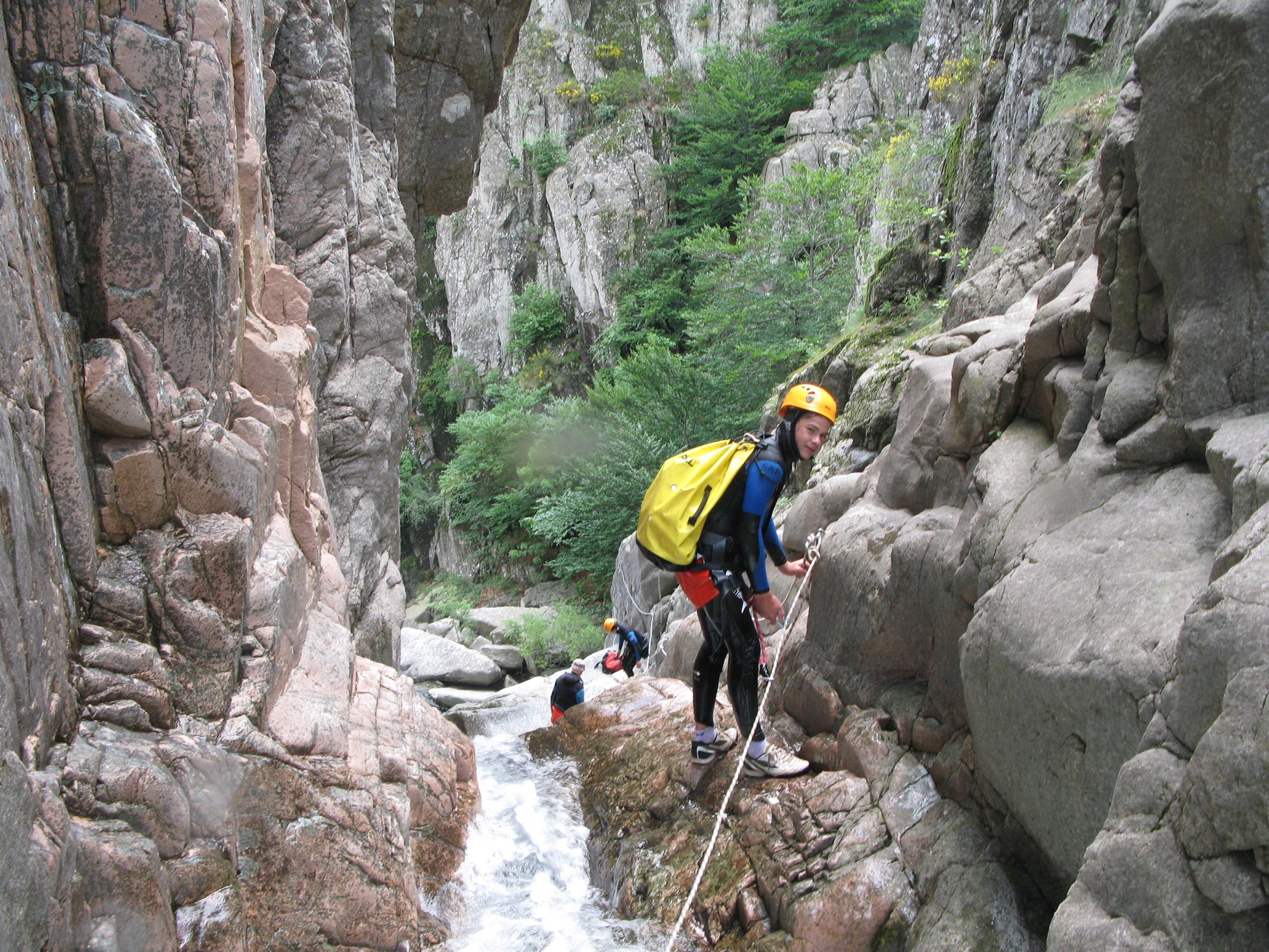 Canyoning sportif dans les gorges du Chassezac