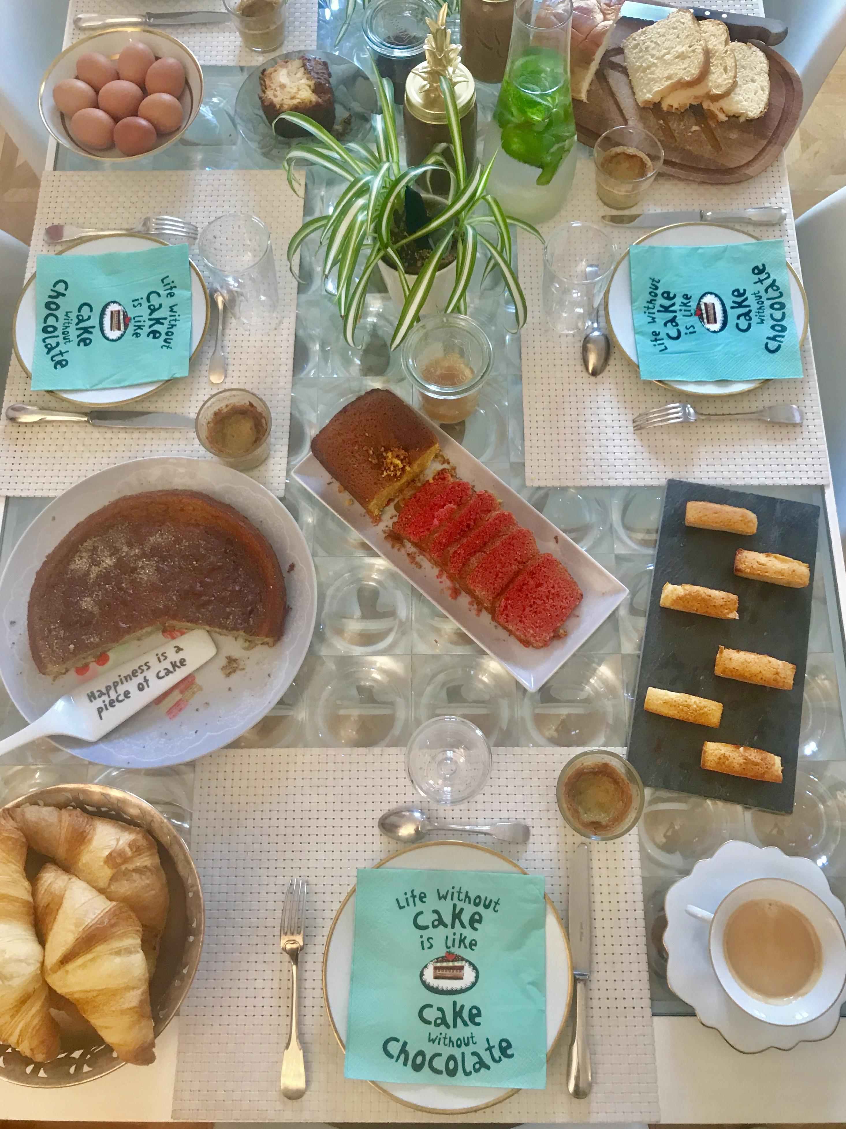 Petit-déjeuner à la française à Nice