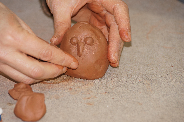 Séance de poterie modelage près de Tours