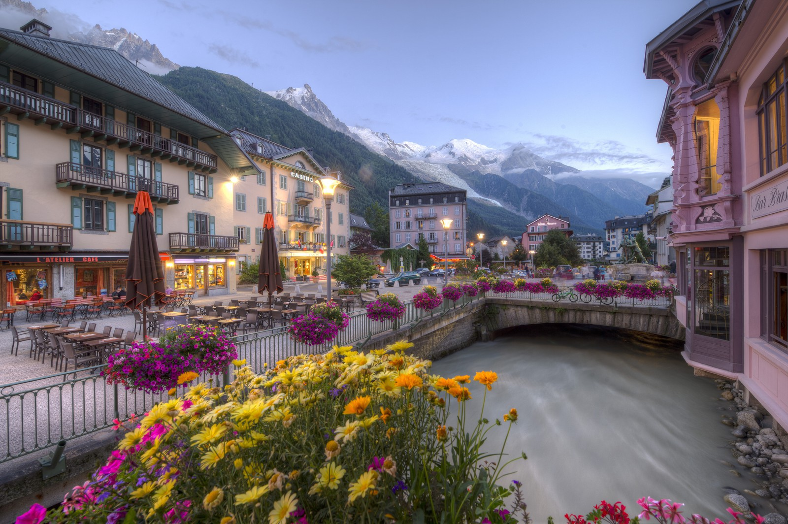 Excursion à la découverte des châteaux et Alpes suisses