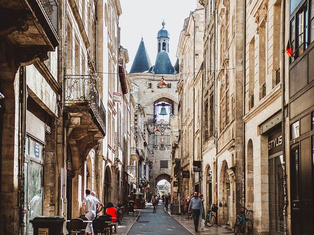 Découverte de Bordeaux à travers un jeu d'évasion urbain