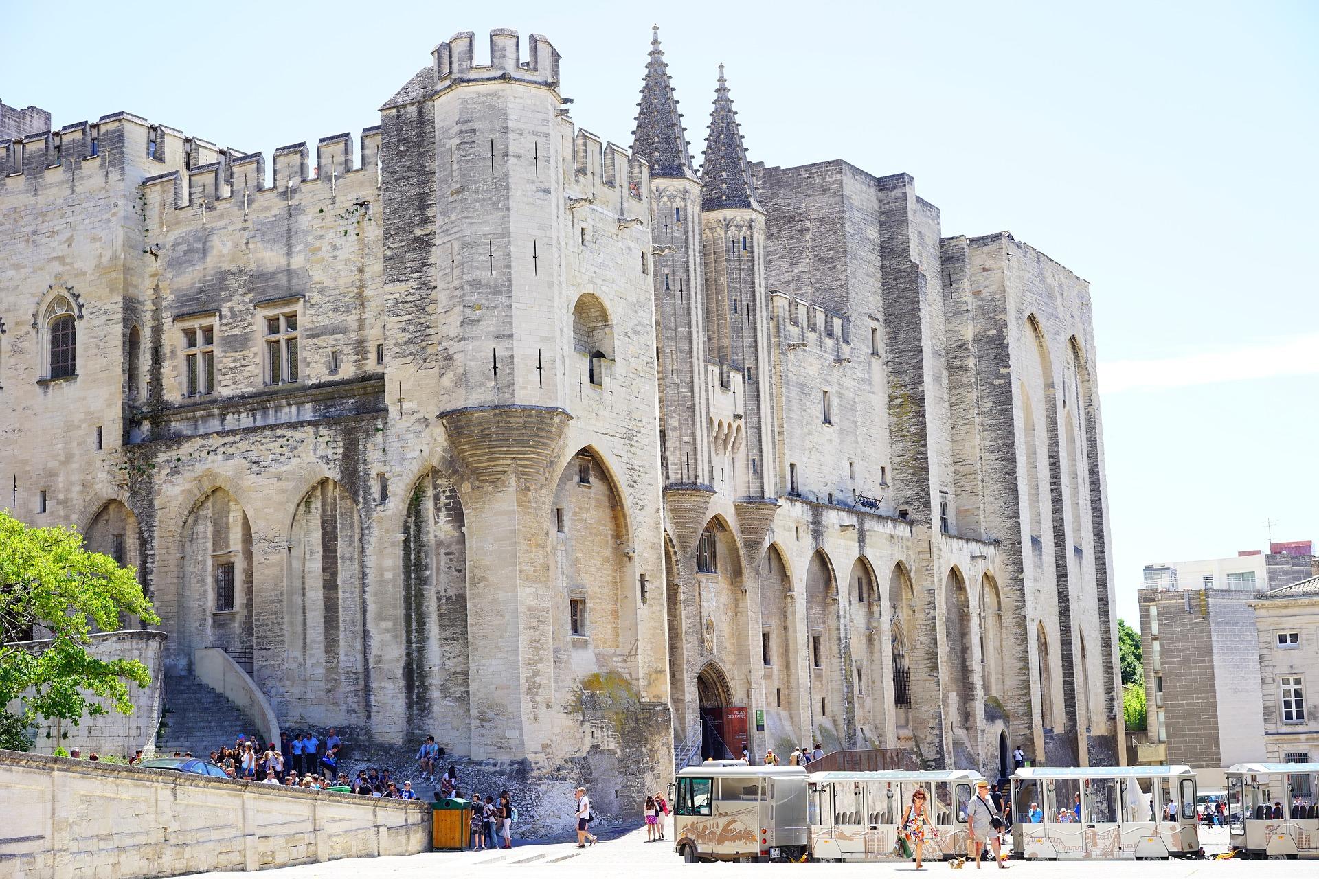 Rallye connecté pour découvrir Avignon