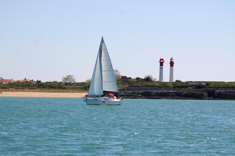 Sortie en mer à bord d'un voilier privatisé à la Rochelle