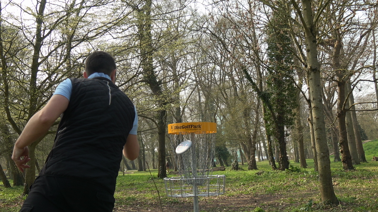 Initiation au disc golf sur la côte d'Opale à Berck