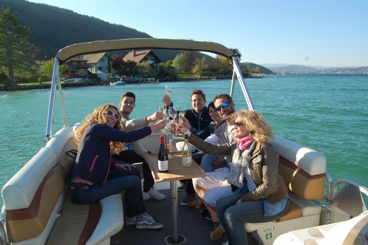 Balade en bateau sur le Lac d'Annecy