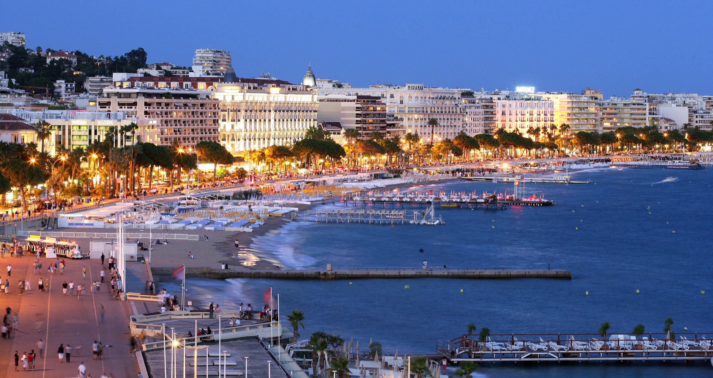 Visite de Cannes, Antibes et Saint-Paul-de-Vence en mini-van
