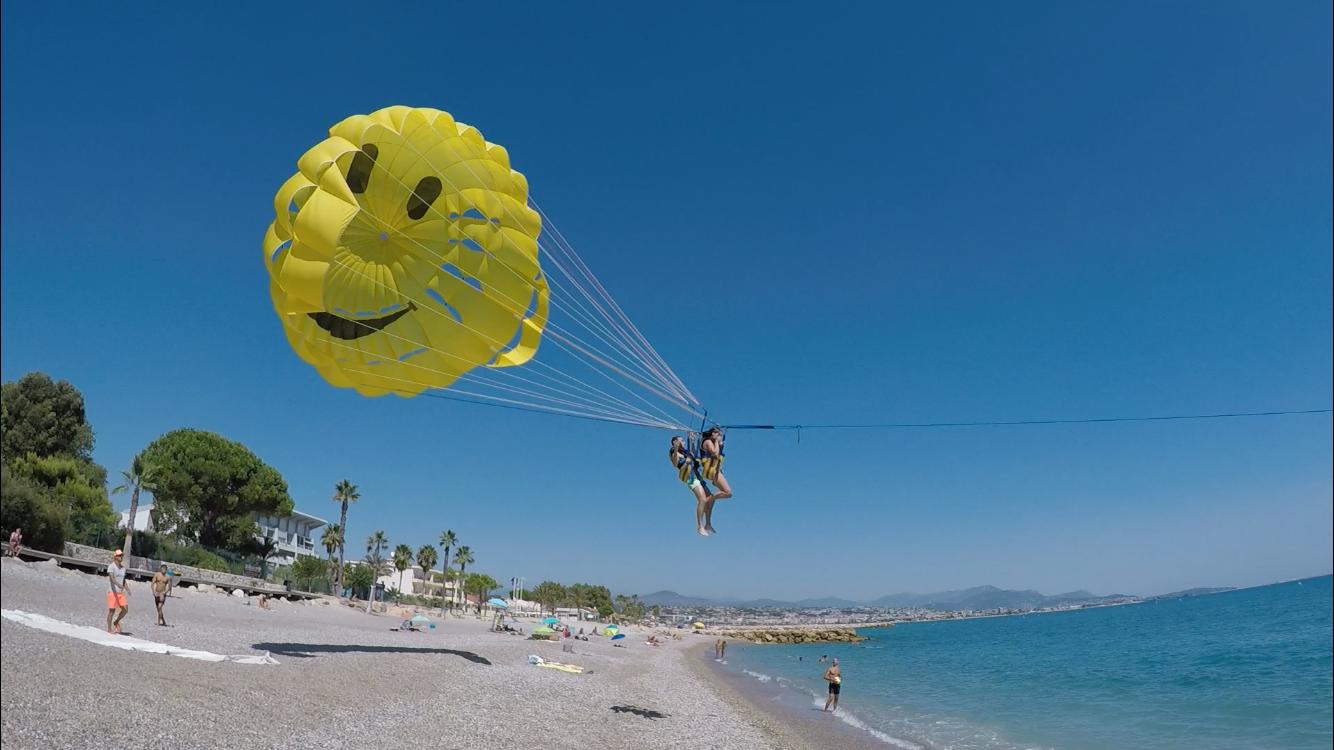 Initiation au parachutisme ascensionnel nautique à Villeneuve-Loubet
