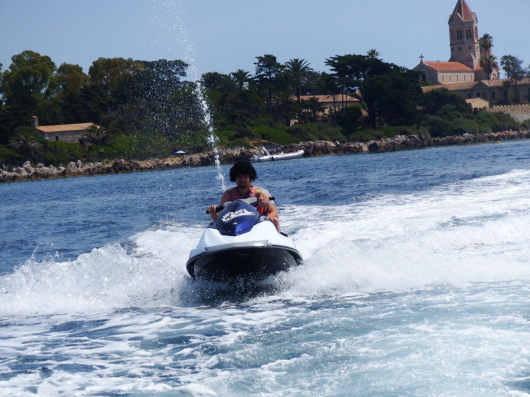 Découverte des iles de Lérins en jet ski proche de Mandelieu-la-Napoule