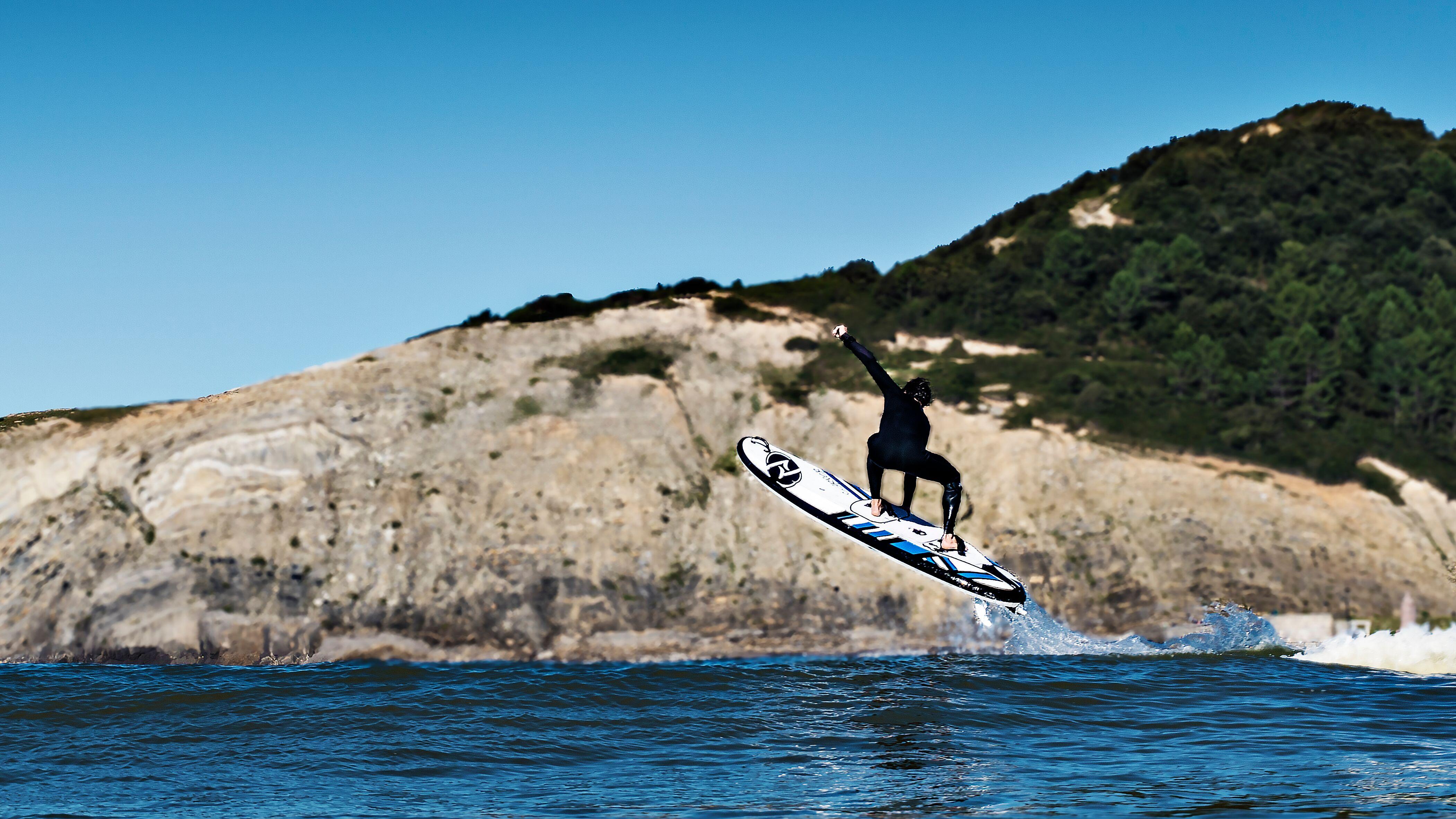 Découverte du surf électrique à Fréjus