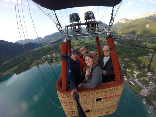Découverte du lac d'Annecy avec un vol en montgolfière