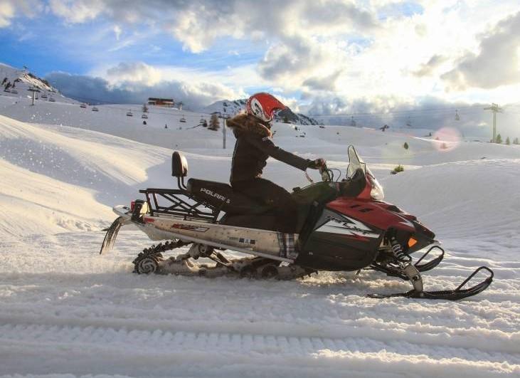 Randonnée en motoneige sur le domaine de La Plagne
