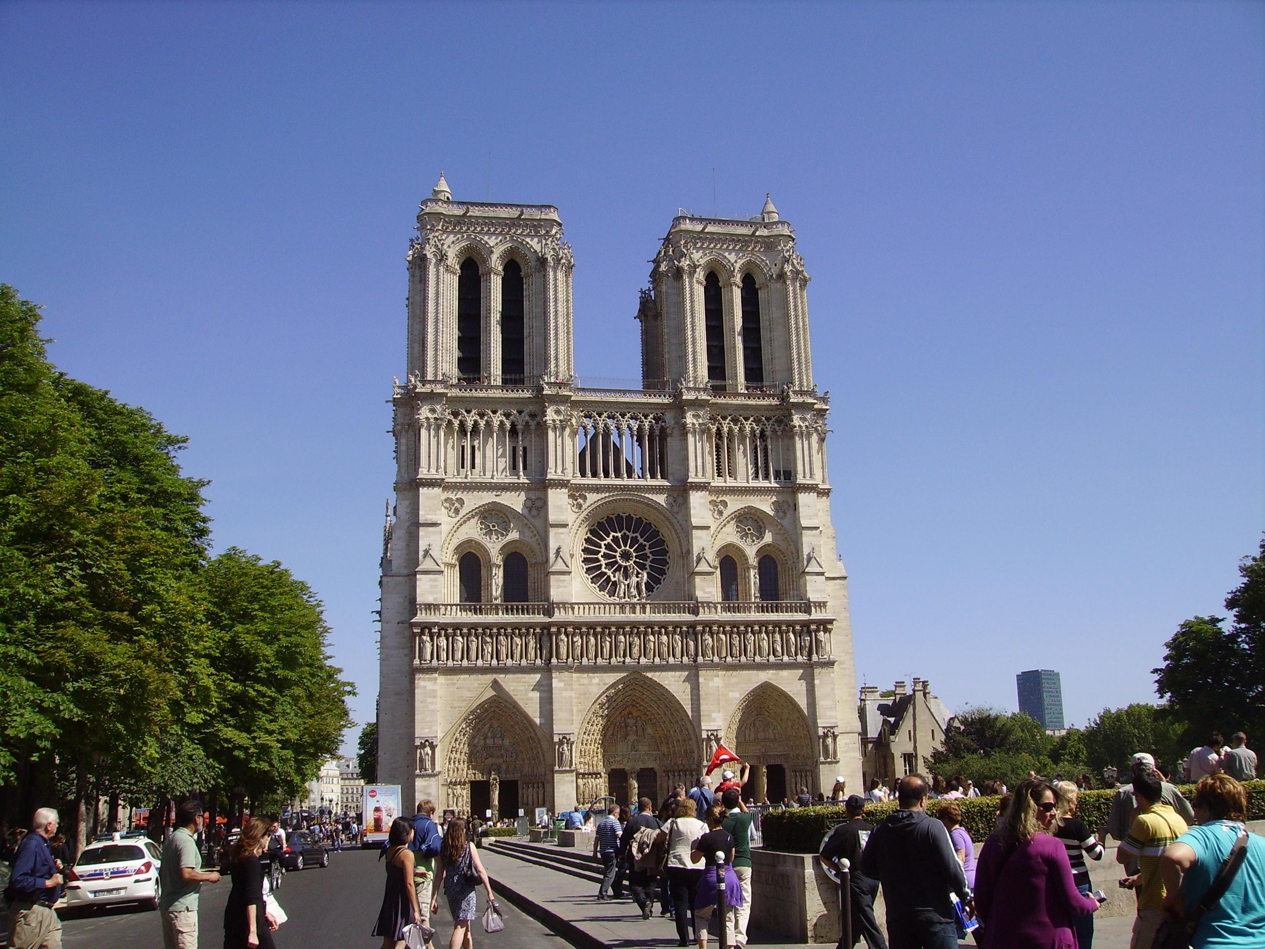 Visite du cœur parisien… à trottinette !