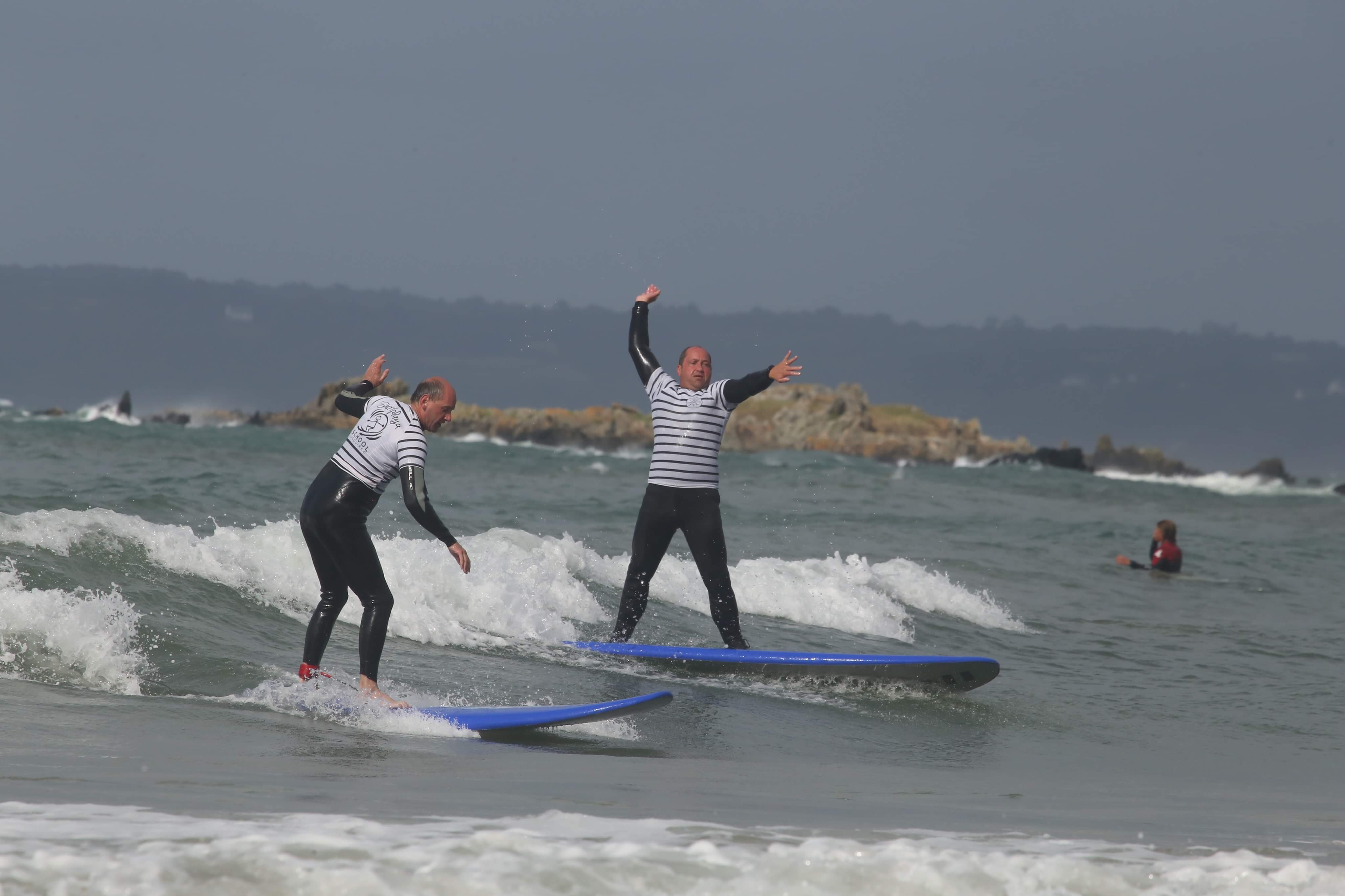 Cours de surf dans le Finistère