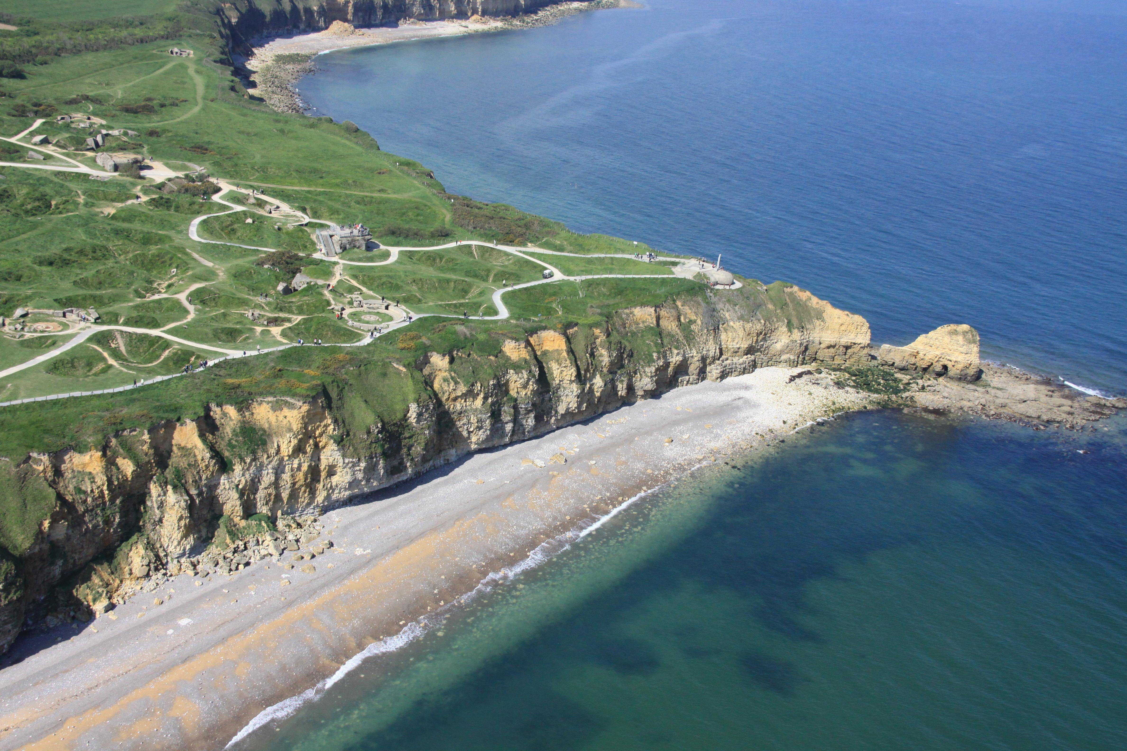 """Vol panoramique en hélicoptère """"de la Pointe du Hoc à Arromanches"""""""