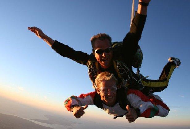 Baptême de saut en parachute tandem vue sur l'Île d'Oléron