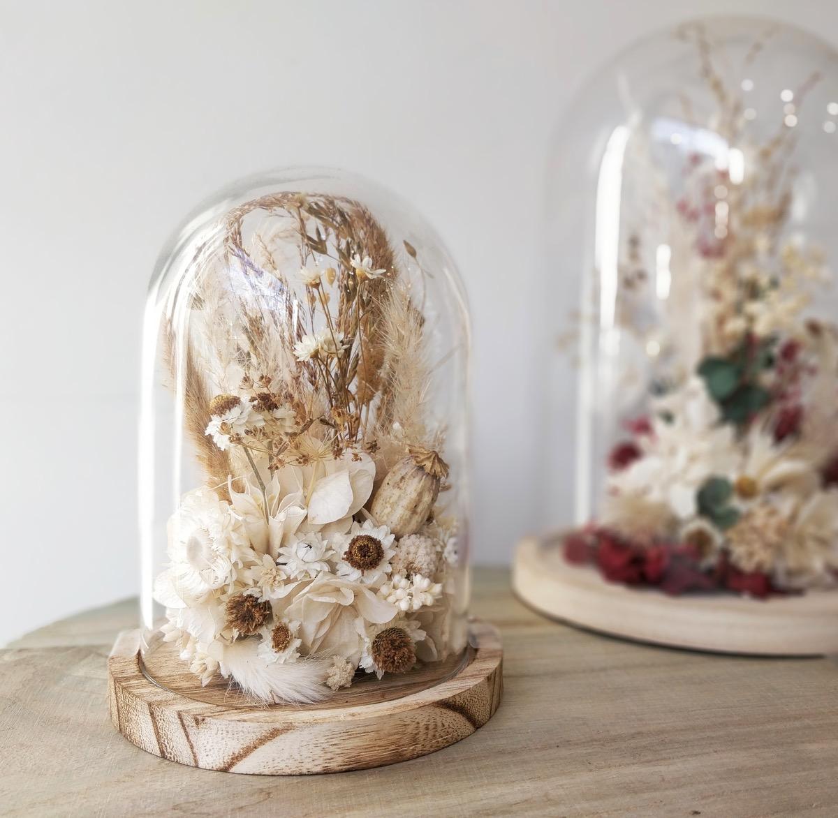 Atelier DIY fabrication d'un globe en fleurs séchées à Paris