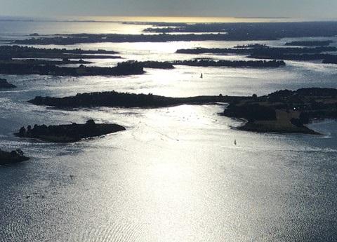 Expédition dans les airs en hélicoptère dans le Golfe du Morbihan