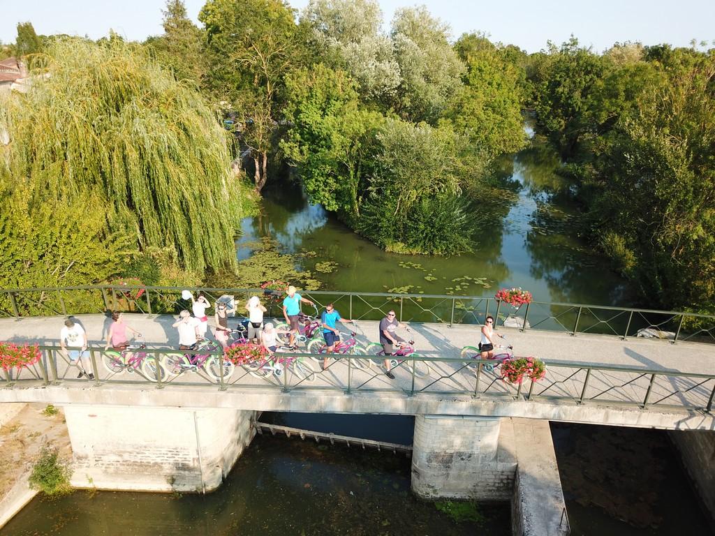Un goût de Marais Poitevin à vélo et en bateau