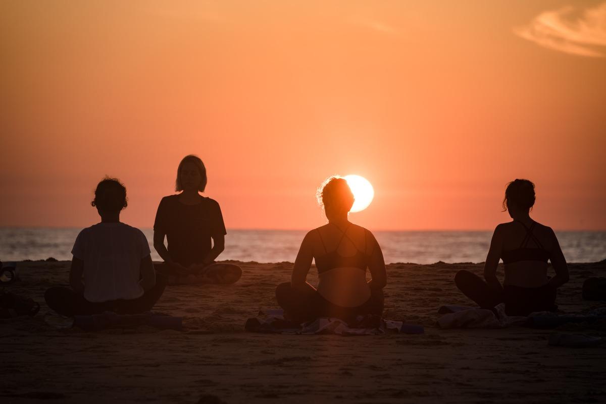 Yoga sur la plage de Moliets