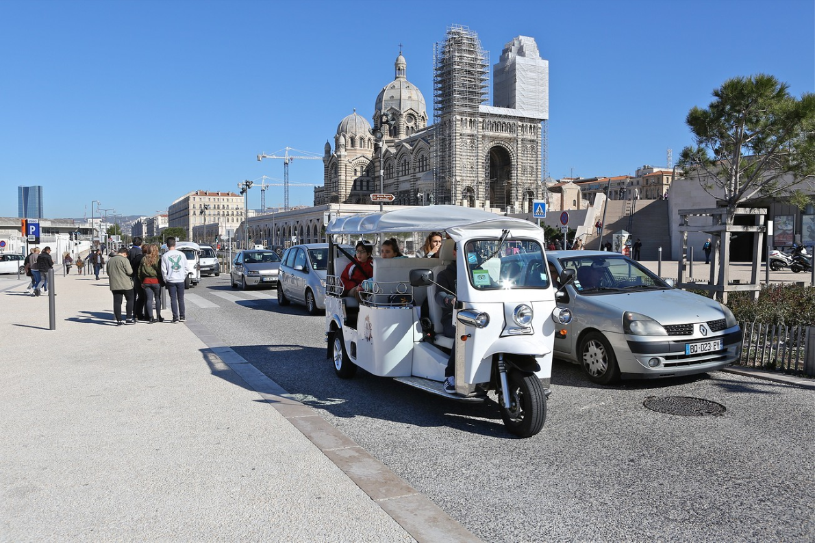 Balade authentique Marseille en TUKTUK