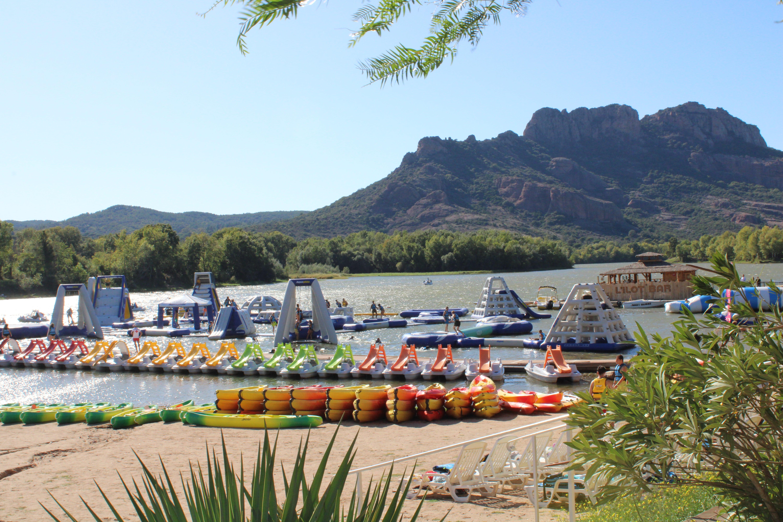Découverte ludique : activités nautiques pour toute la famille