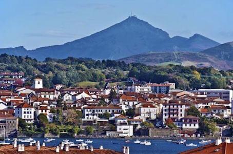 Visite guidée d'Hendaye et de son histoire Franco-espagnole