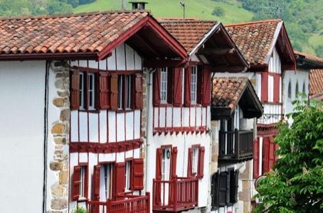 Visite Guidée de Sare : l'un des plus beaux villages de France
