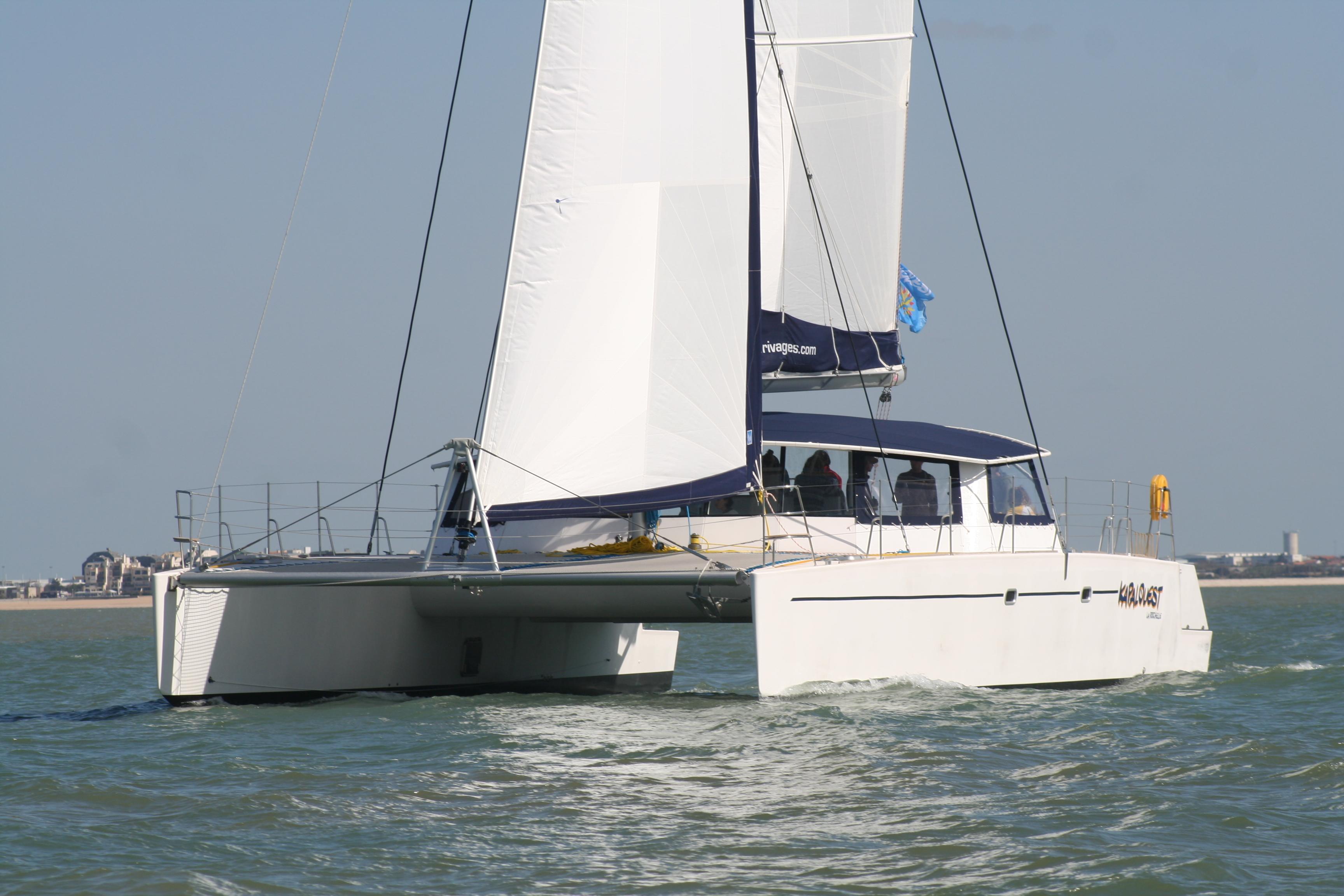 Croisière découverte en maxi-catamaran