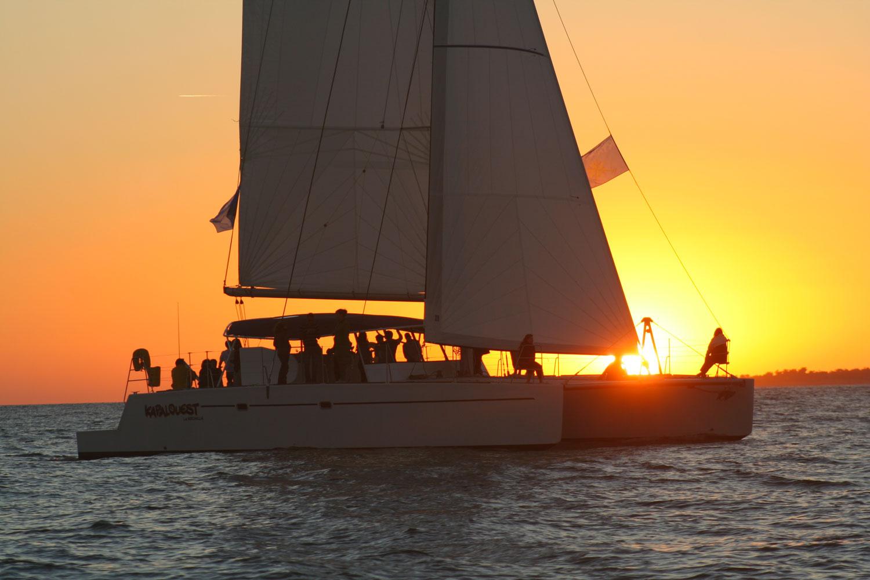 Croisière au couché du Soleil en Catamaran