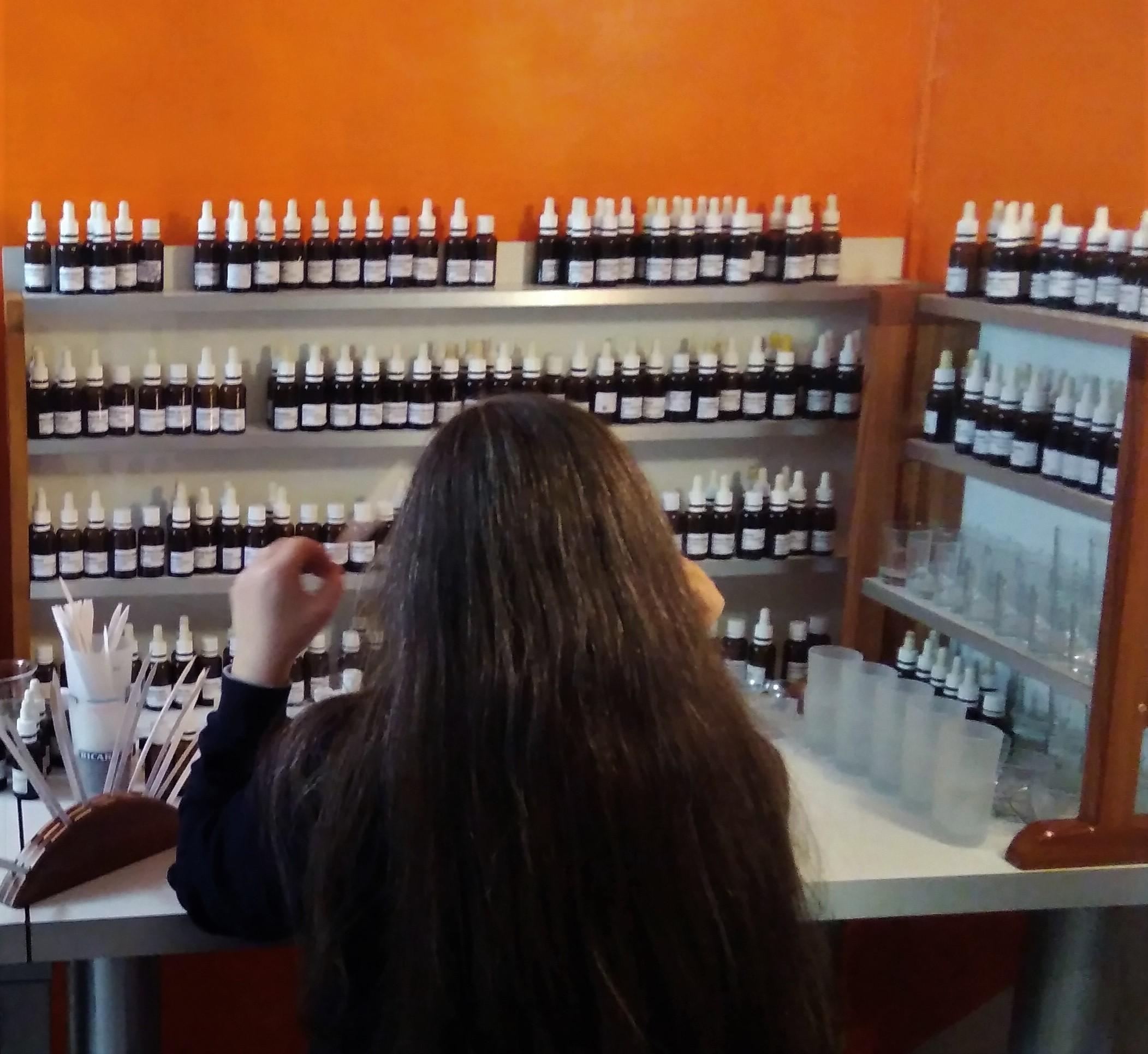 Atelier olfactif à distance : création d'un parfum naturel en Rhône Alpes