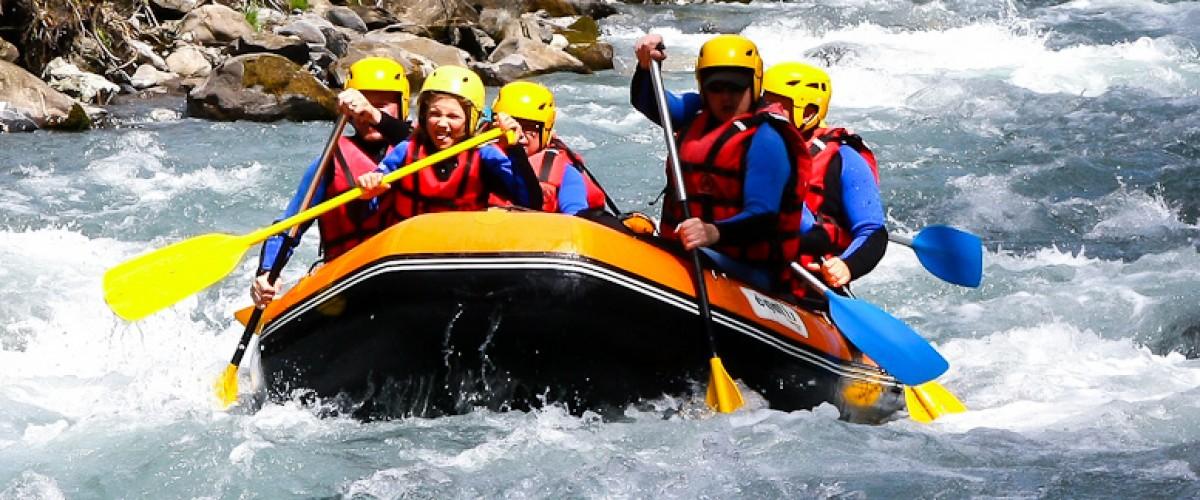 Sensations fortes : descente en rafting à coté de Cluses