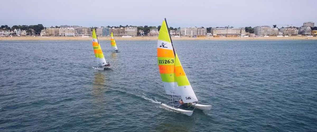 Découverte du catamaran en cours particulier en Bretagne
