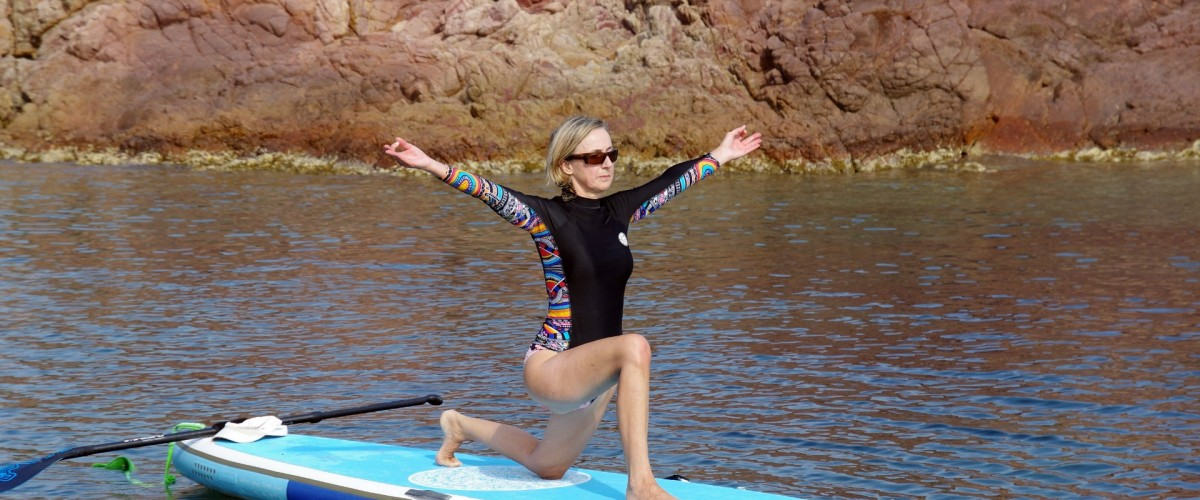 Découverte du yoga paddle à Agay