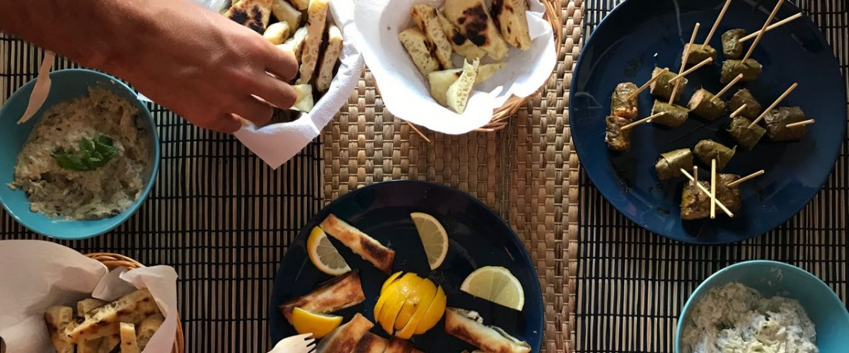Balade gustative, repas itinérant à la mode antique, dans le Panier
