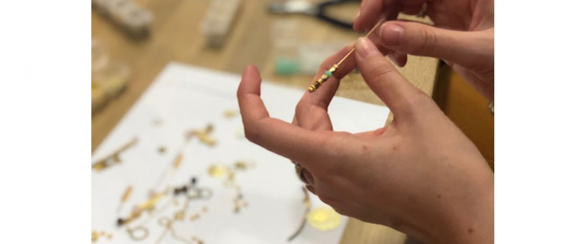 Atelier création de bijoux en groupe, en plein cœur de Bordeaux