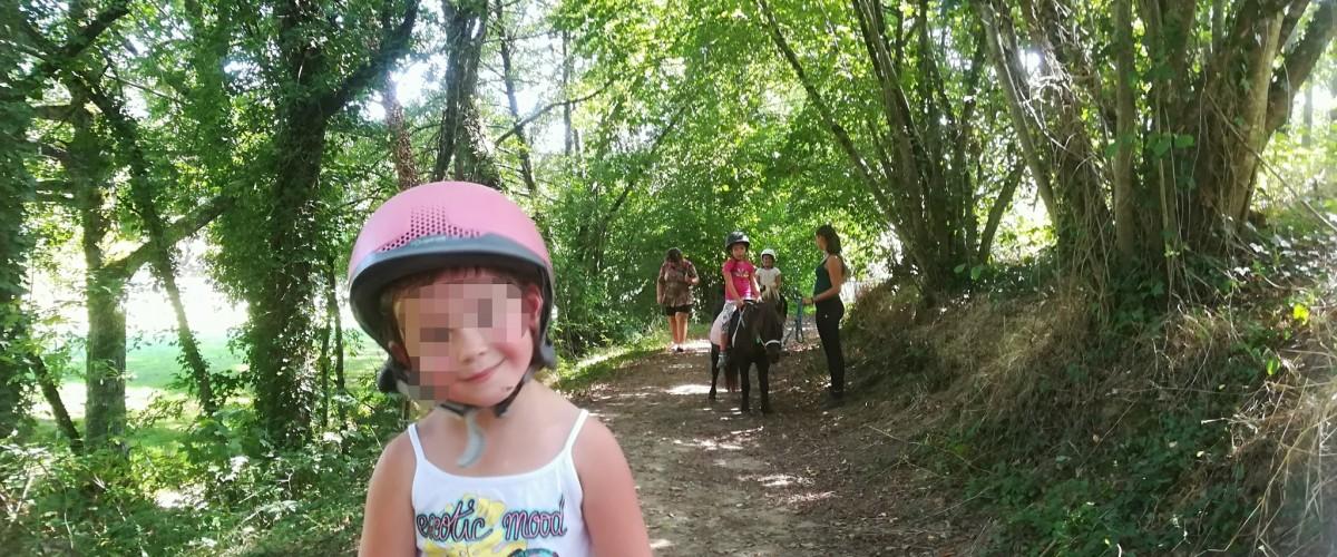 Balade à poney pour enfant
