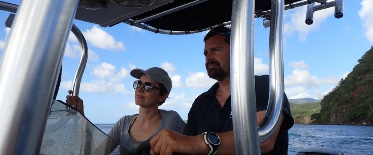 Snorkeling en mer avec un guide dans le parc national marin de guadeloupe