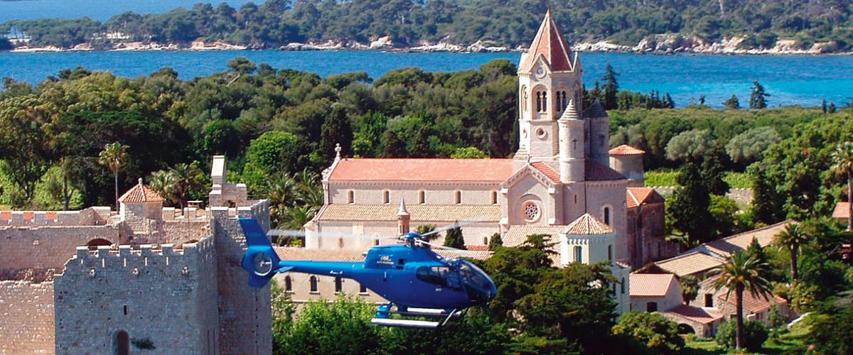 Survol de la Croisette à Cannes en hélicoptère