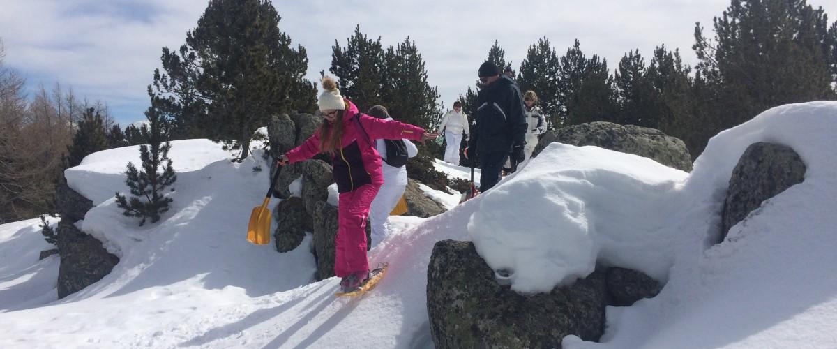 Randonnée et Construction d'un Igloo dans les Pyrénées