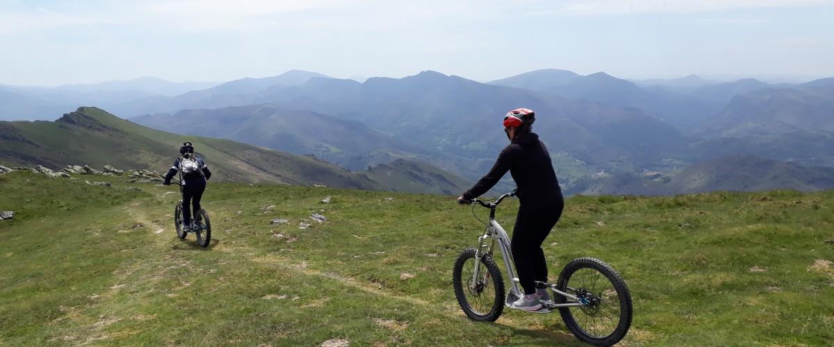 Descente en trottinette tout terrain du Mont Baigura